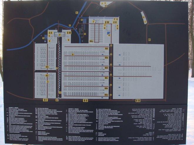 Mapa mostrando a estrutura do campo de extermínio de Birkenau